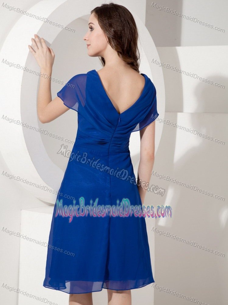 Chiffon Royal Blue Knee-length V-neck Bridemaid Dress in Wodonga