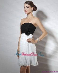 2015 New Arrival Strapless Ruching and Hand Made Flower Bridesmaid Dresses in White and Black