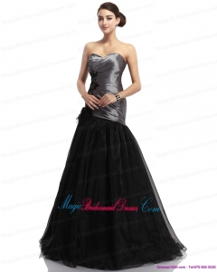 2015 New Arrival Appliques Ruching Brush Train Bridesmaid Dresses in Sliver and Black