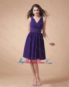 Comfortable V Neck Beading Short Bridesmaid Dresses in Eggplant Purple