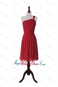 Pretty Ruching One Shoulder Short Bridesmaid Dresses in Red
