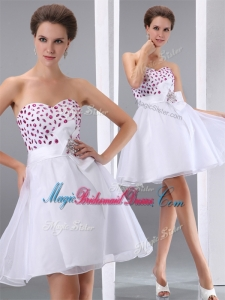 Popular Sweetheart White Short Gorgeous Bridesmaid Dresses with Beading