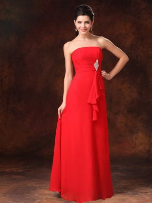 Strapless Red Empire Chiffon Bridesmaid Dress with Brooch and Ruffles
