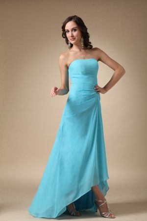 Discount Asymmetrical Aqua Blue Strapless Chiffon Bridesmaid Dress in AR