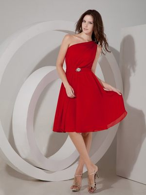 Bloody Red One Shoulder Chiffon Knee-length Bridesmaid Dress in Sacramento
