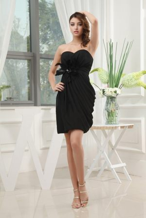 Lovely Black Sweetheart Maternity Bridemaid Dress with Feather in Hjo Sweden