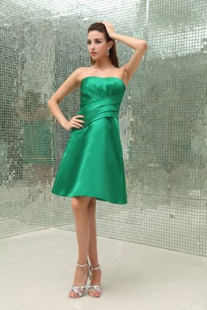 Lovely Green Ruched Strapless Taffeta Bridemaid Dress in Horten Norway