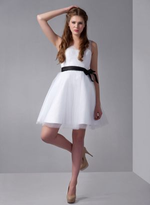 White A-line V-neck Mini-length Bridesmaid Dress in Gonubie with Bow Accent