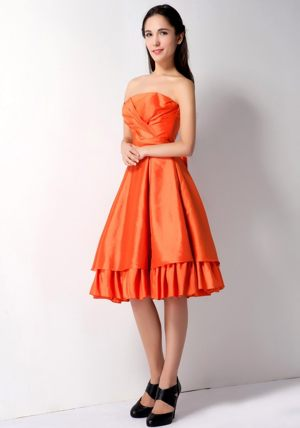 A-line Bow Accent Orange Red Bridesmaid Dresses in Faunasig with Knee-length
