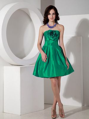 Modest Green A-line Flowers Mini-length Dresses for Bridesmaid in Underberg
