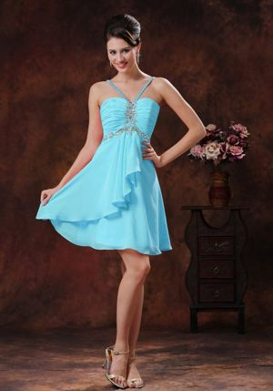 V-neck Baby Blue Short Bridesmaids Gown in Strand with Beading Decorate