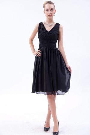 V-neck Knee-length Ruched Black Empire Bridesmaid Dresses in Port Elizabeth