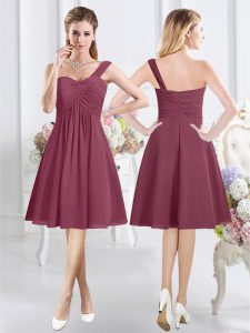 Burgundy A-line Chiffon One Shoulder Sleeveless Ruching Knee Length Zipper Bridesmaid Dress