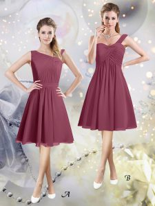 Asymmetric Sleeveless Zipper Wedding Party Dress Burgundy Chiffon