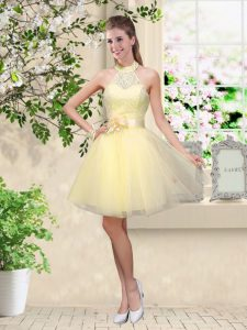 Knee Length Lace Up Bridesmaid Dresses Light Yellow for Prom and Party with Lace and Belt