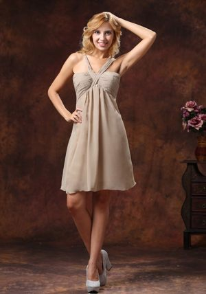 V-neck Grey Mini-length Dresses for Bridesmaid in Mandeni Ruche Decorate
