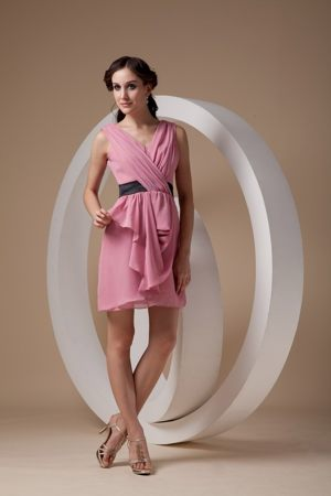 Rose Pink Sheath V-neck Mini-length Ruched Bridesmaid Dress in Komatipoort