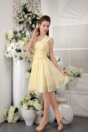 Light Yellow Empire One Shoulder Short Pleated Bridesmaids Gown in Rotorua