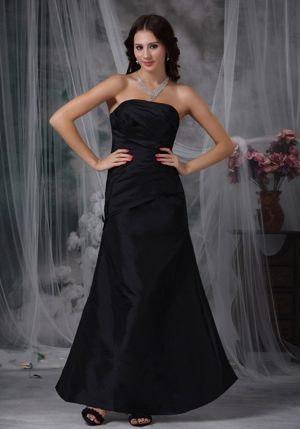 Ankle-length Ruched Black A-line Strapless Bridesmaids Dresses in Nelson