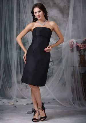 Black A-line Strapless Knee-length Ruched Bridesmaid Dress in Palmerston North