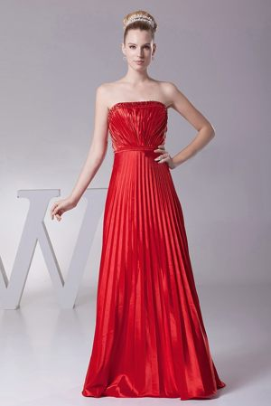 Red Pleat Over Skirt Strapless Bridesmaid Dress in Avignon France