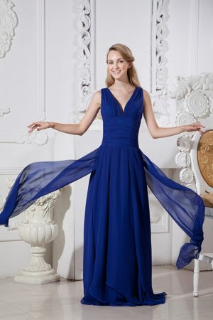 Brush Train Empire Blue Chiffon Prom Bridesmaid Dress with V-neck