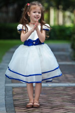 Short Sleeves Scoop Bow Junior Bridesmaid Dress in White and Blue