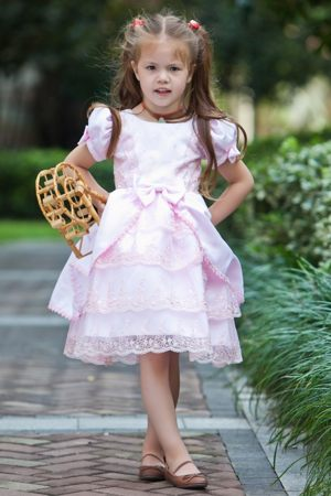 Short Sleeves Scoop Lace Bow Junior Bridesmaid Dress in Baby Pink
