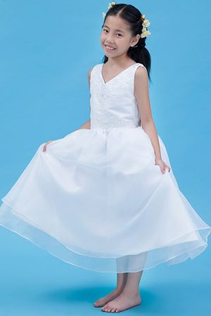 White Appliques A-line V-neck Junior Bridesmaid Dress in Michigan