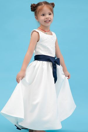 Embroidery White A-line Scoop Junior Bridesmaid Dress in Illinois