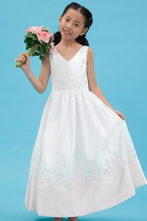 Minnesota White A-line V-neck Appliques Junior Bridesmaid Dress