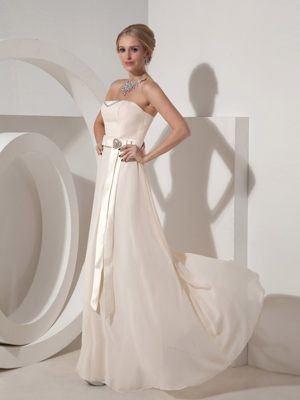 Beaded Belt White Strapless Cheap Bridesmaid Dress in Stragglethorpe