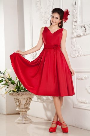 V-neck Hand Made Flowers Taffeta Red Bridesmaid Dresses in Falkirk