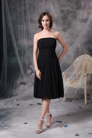 Ruched Chiffon Black Sweetheart Bridesmaid Dress in Selkirk Borders