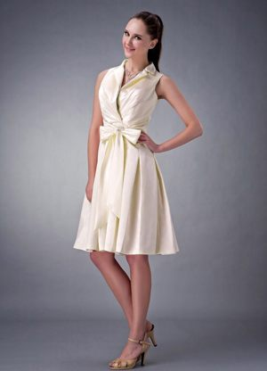 Light Yellow A-line Collar V-neck Short Bridesmaid Dress with Bow