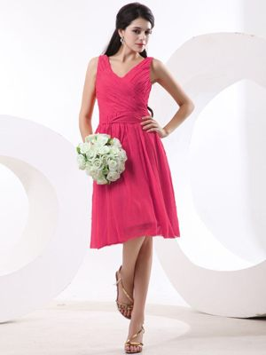 Ruched V-neck Red Plus Size Bridesmaid Dress Knee-length