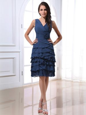 V-neck Navy Blue Dress for Bridesmaid Layered Knee-length