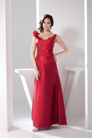 Ankle-length Sheath Bridesmaid Gown in Red V-neck at Kalispell
