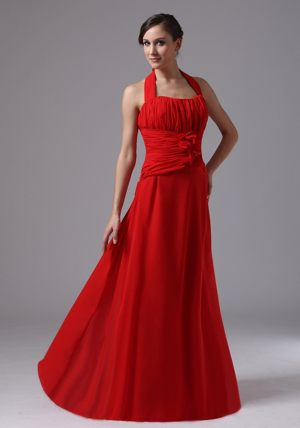Cool Back Halter Hand Made Flowers Ruched Chiffon Bridesmaid Gowns