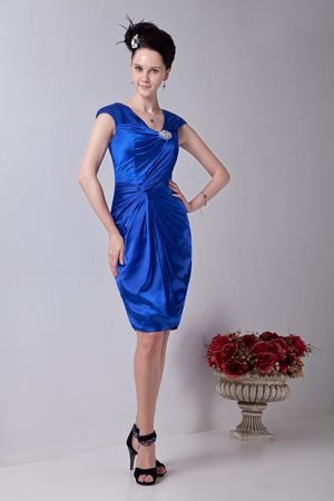 Beading V-neck Royal Blue Taffeta Knee-length Dresses for Bridesmaid