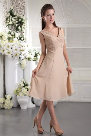 Simple V-neck Ruched Champagne Butte Garden Bridesmaid Dresses
