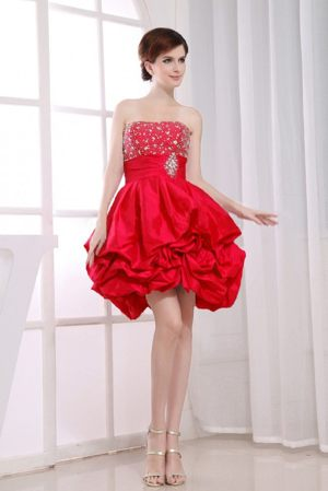 Beading A-Line Red Dresses for Bridesmaid with Pick-ups Like Bubby Doll