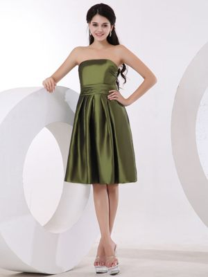 Repentigny Olive Green Bridesmaid Dresses with Strapless to Knee-length