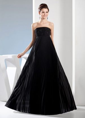 Black Strapless Long Bridesmaid Dress for Weddings with Pleating Skirt