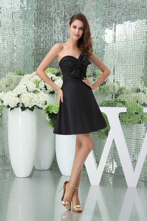 Mini Sweetheart and Ruche Black Bridesmaids Gown with Bowknot in A-line