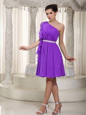 Purple One Shoulder with Flounced Hem for Beading Bridesmaid Dresses