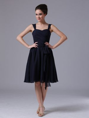A-Line Straps Ruched Bridesmaid Dresses in Navy Blue to Knee-length